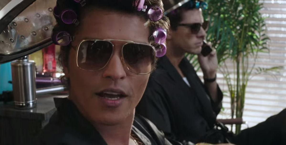 Uptown Funk di Mark Ronson ft. Bruno Mars, testo e video ...