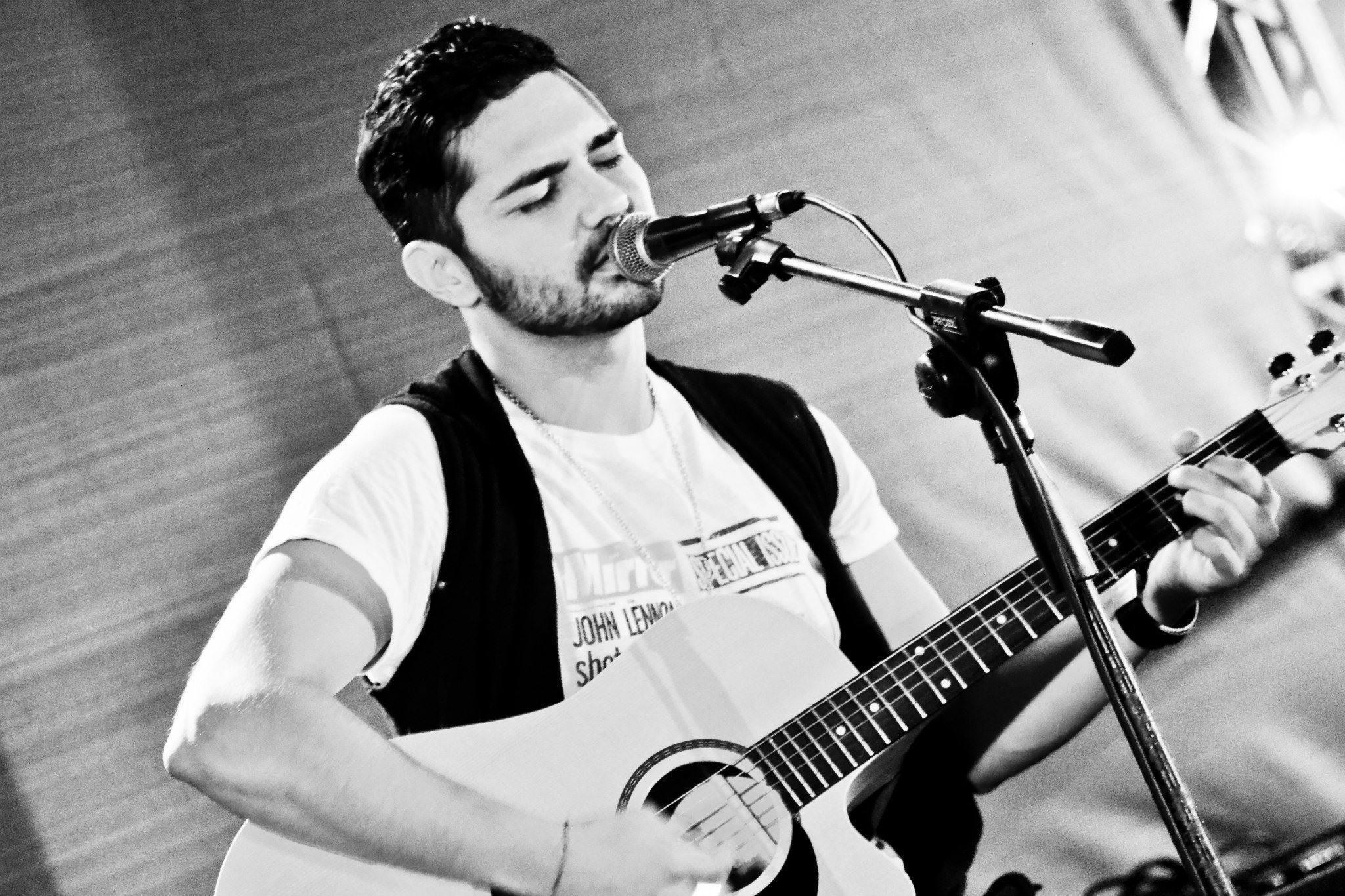 canzone napoletane chitarra rossa karaoke gratis